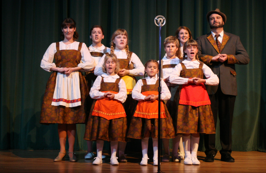 Cast of Sound of Music on Stage